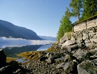 Skodda_ved_fjorden